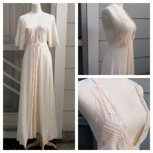 MAKE OFFER:: Lily of France NightGown & Robe Set